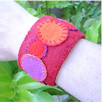 Recycled Bottle Bracelet - Kids Crafts