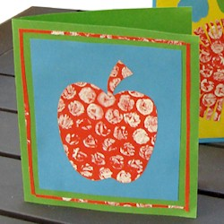 Bubble Wrap Apple Card - Kids Crafts