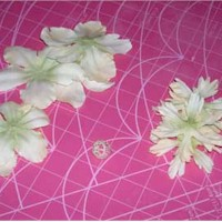 Fairy Crafts Silk Flowers http://www.freekidscrafts.com/fabric_flower_fairy-e1591.html