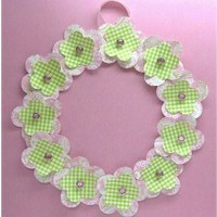 Paper Flower Wreath - Kids Crafts