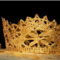 Gold Lace Crown - Kids Crafts