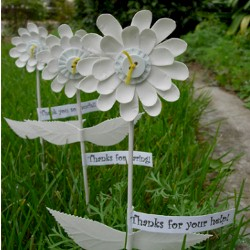 Paper Plate Gratitude Flowers - Kids Crafts