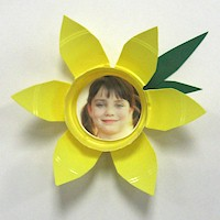 Daffodil Photo Magnet - Kids Crafts