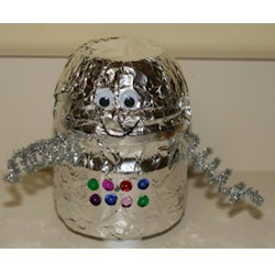 Easy Recycled Robot - Kids Crafts