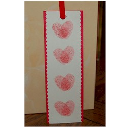 Valentine Thumbprint Bookmark - Kids Crafts