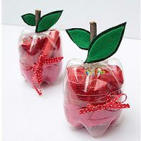 Image of Easy Felt Apple Embellishments