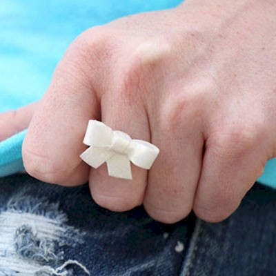 Cornstarch Bow Ring