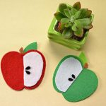 Easy Felt Apple Embellishments