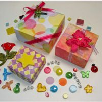Image of Make A Mini Christmas Gift Box