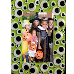Make A Halloween Wiggle Eye Photo Frame