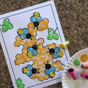 Colored picture of the Honeybee Pom Pom Craft