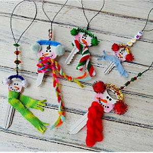 Make Christmas Ornaments From Recycled Keys