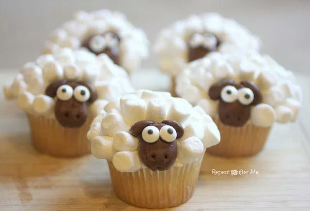 Mini Marshmallow Sheep Cupcakes
