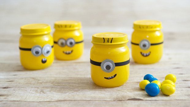 Image of Baby Food Jar Minion Party Favors