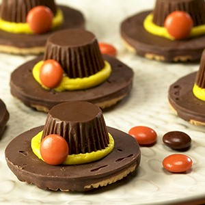 Image of No Bake Pilgrim Hat Cookies