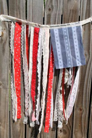 Image of Paper Chain Flag