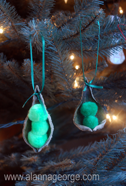 Image of Peapod Ornament