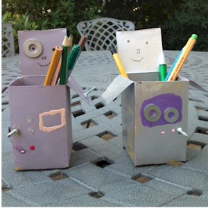 Recycled Robot Pen Holder