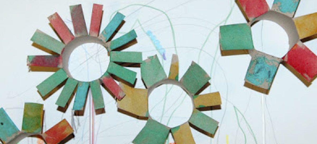 Cardboard tube flowers free kids crafts for Cardboard tube flowers